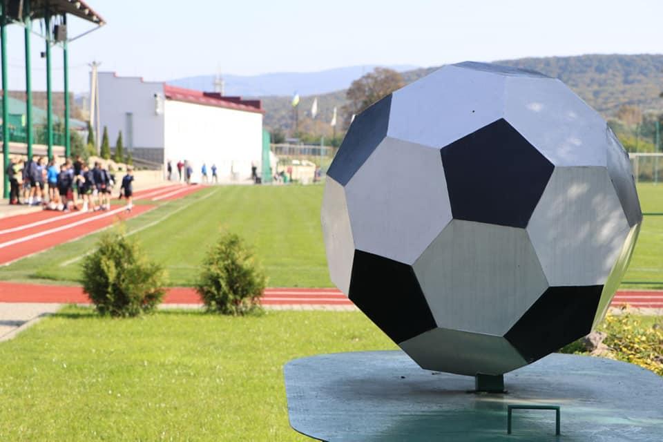 В Ужгороді замість будівлі покинутого вокзалу з'явився спортивний центр (ФОТО)