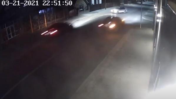 ВІДЕО гонок у Хусті, внаслідок яких авто розірвало навпіл