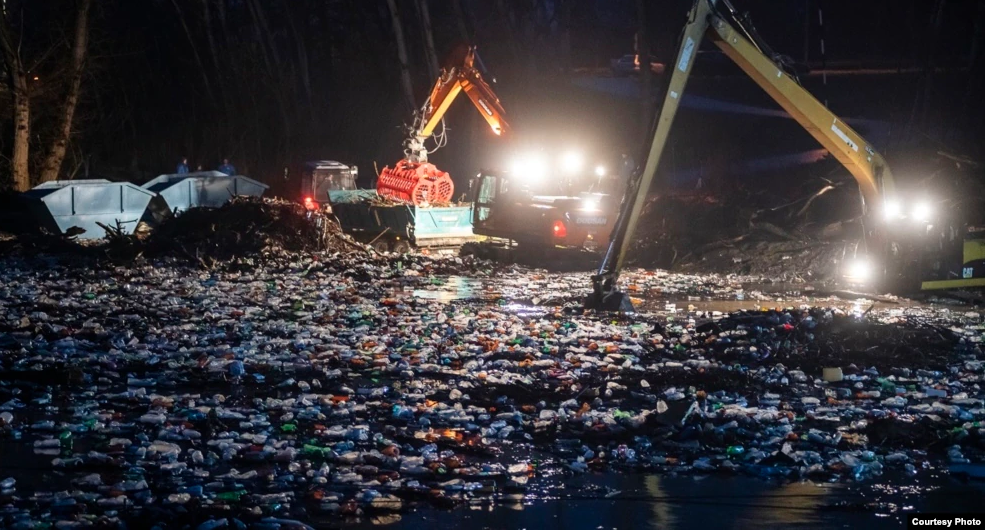 Ситуація із забрудненням Тиси відходами українського походження погіршилася впродовж останніх місяців (ВІДЕО)