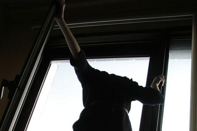 У Виноградові жінка загинула, випавши з четвертого поверху лікарні, - соцмережі